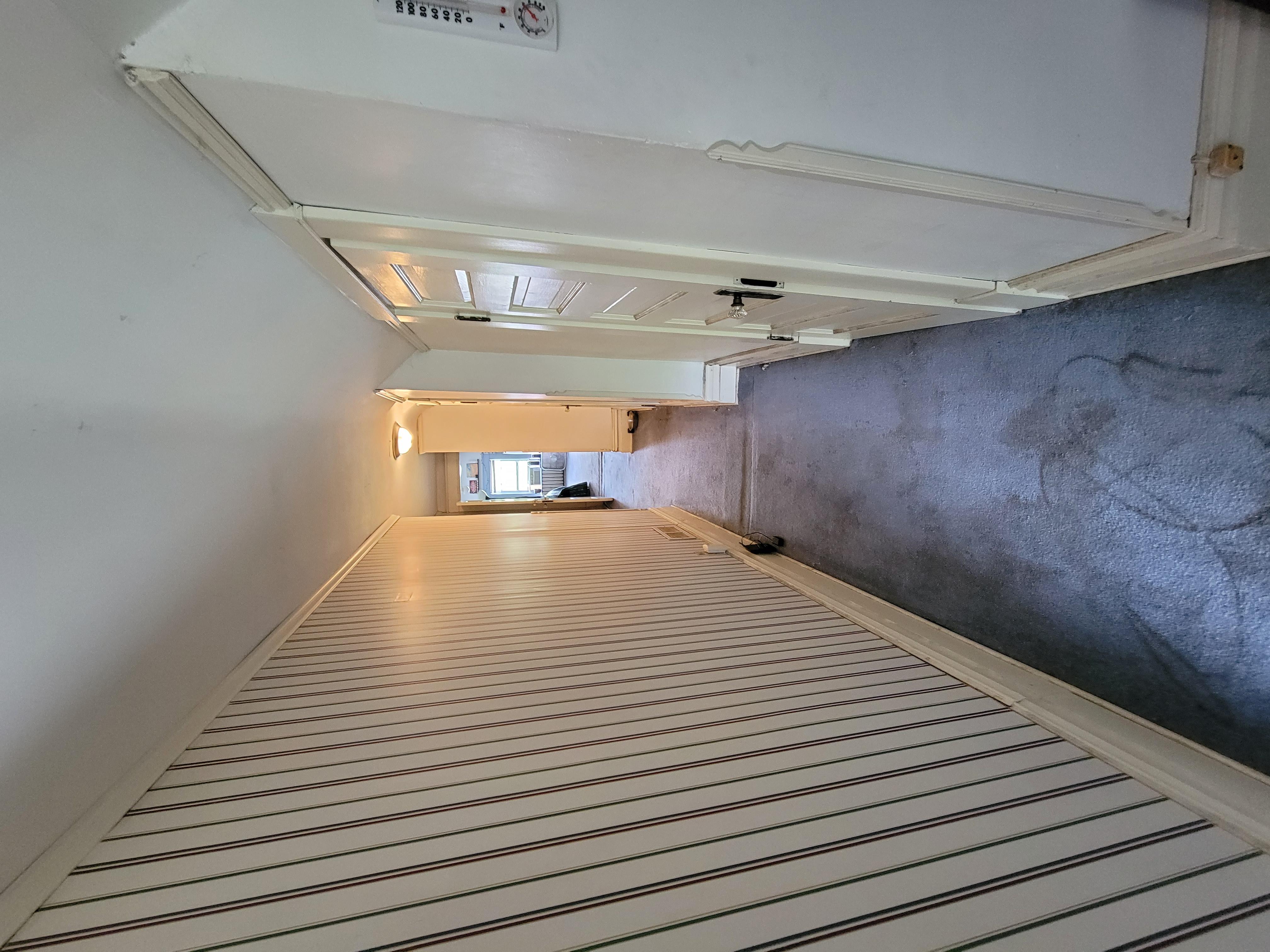 75 - 3rd Level Hall
