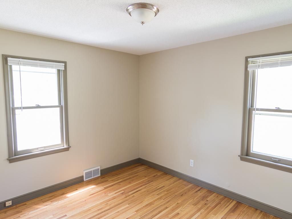 60 - Bedroom