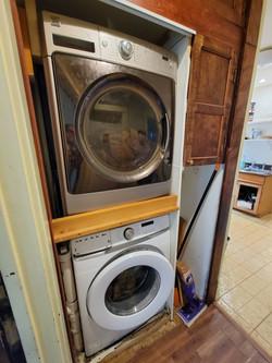 85 - Upper Unit Laundry