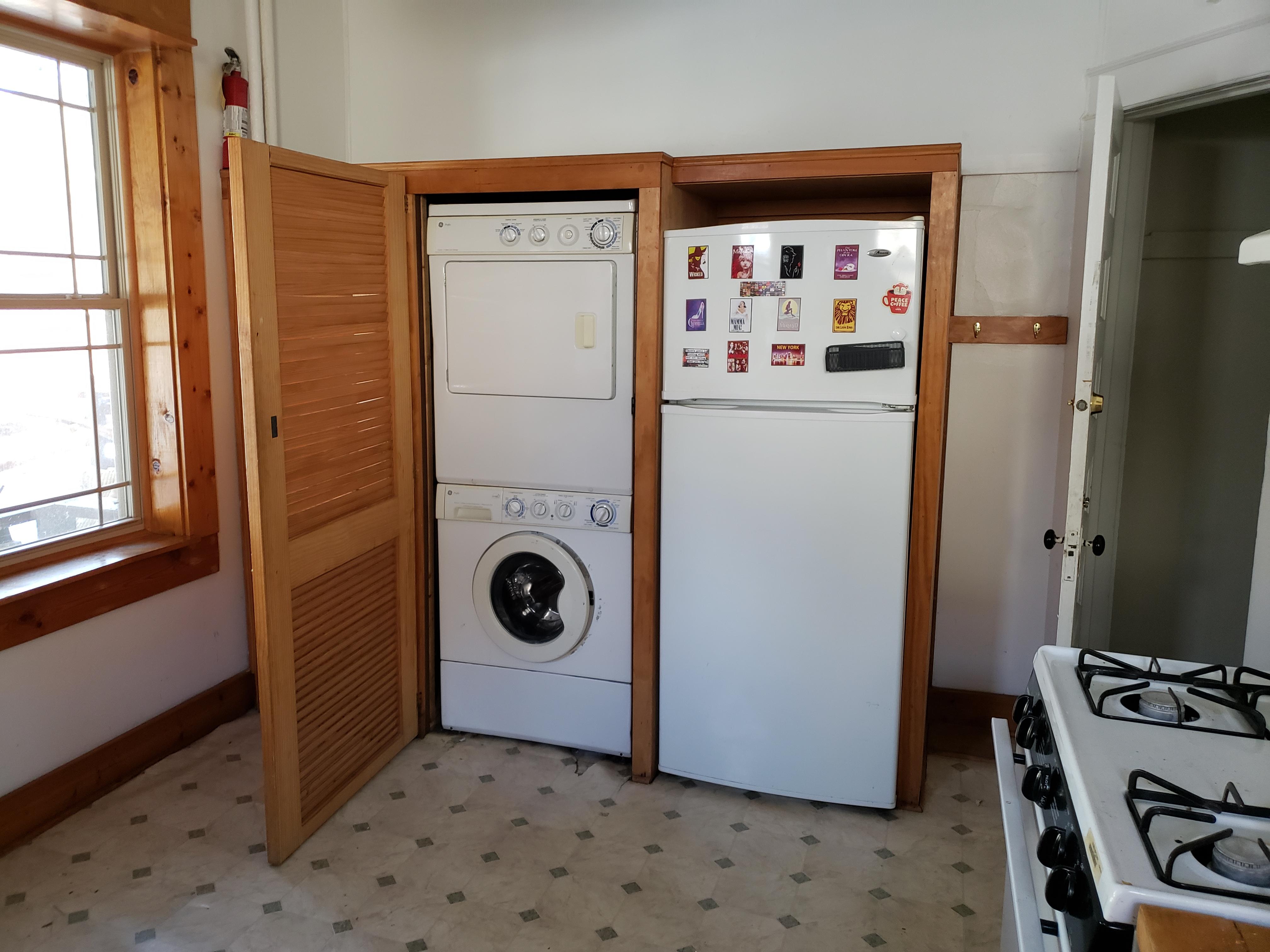 145 - 1651 Main Floor Laundry