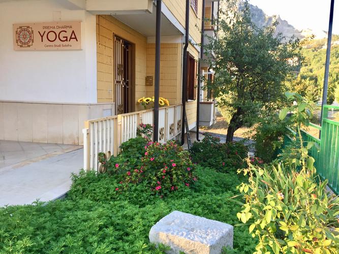 centro studio yoga solofra prema dharma yoga