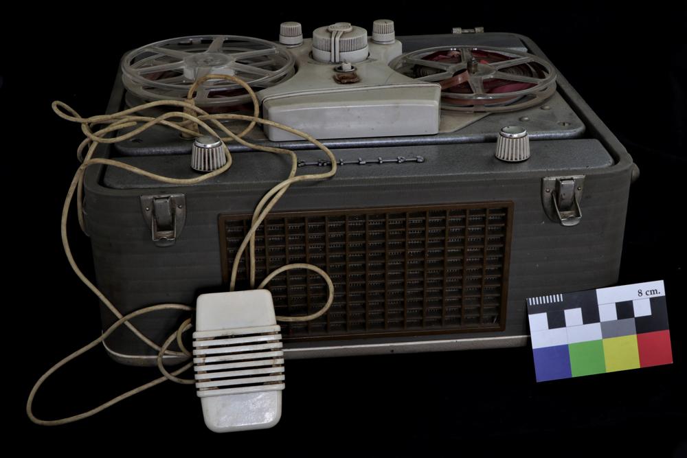 Grabadora de audio a cinta. (8)