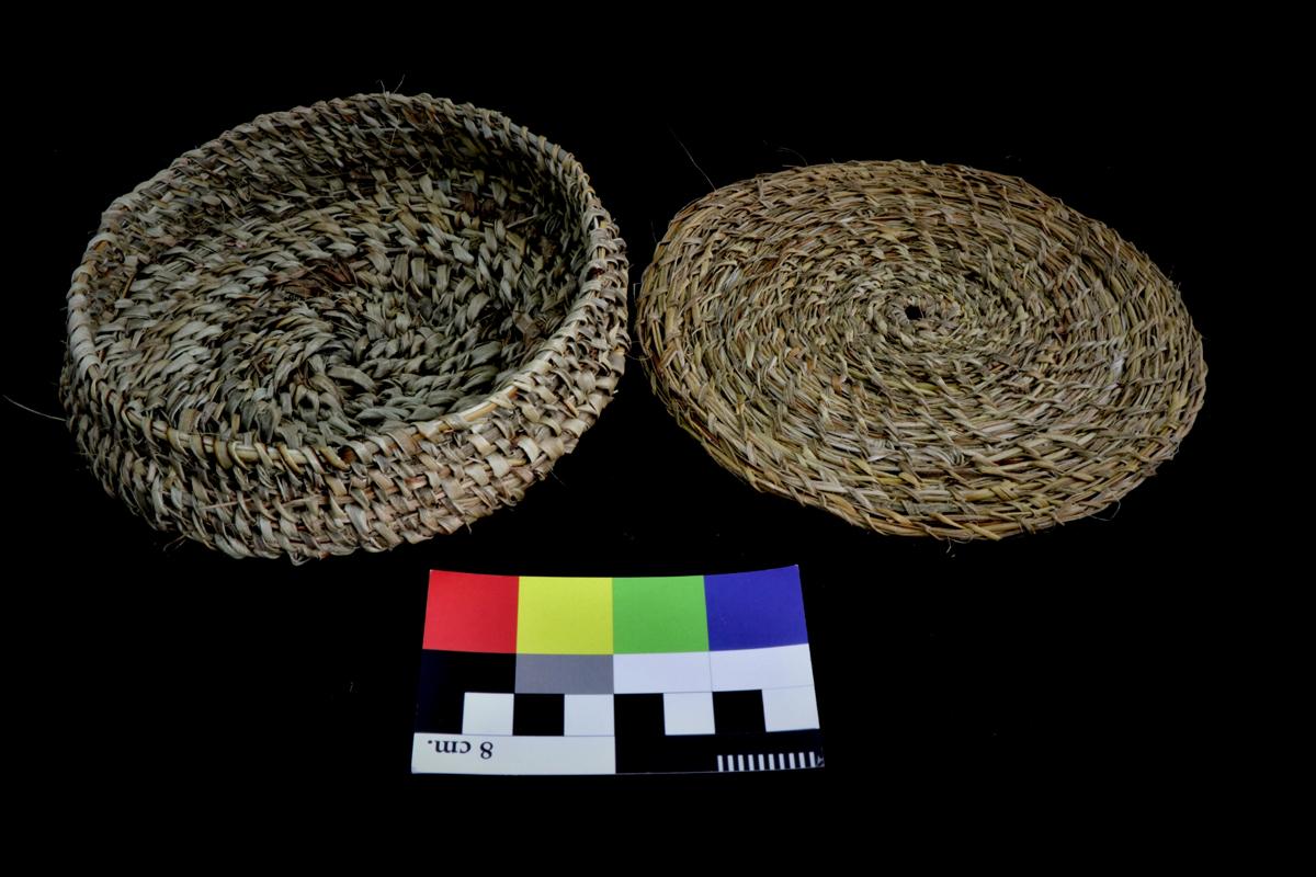 Cesta de fibra vegetal