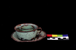 Mate, taza y platillo de té