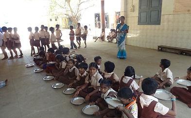 Porridge distribution.jpg