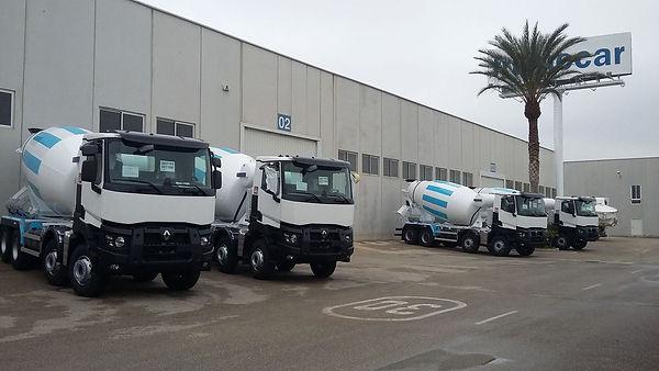 camiones hormigonera renault en fabrica de frumecar