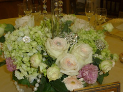 Glamourous wedding table centre