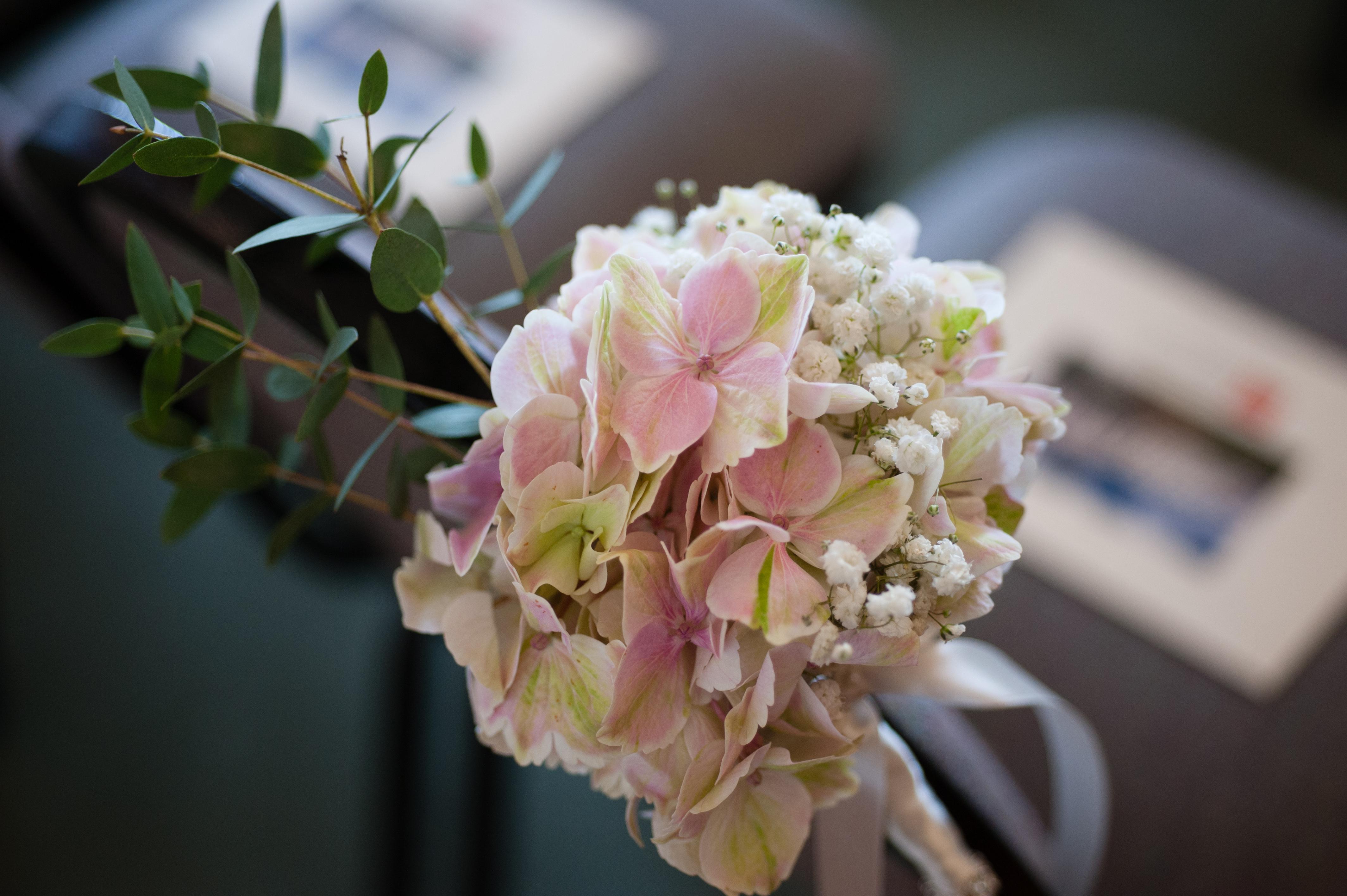 Hydrangea & Gypsophila Pew End