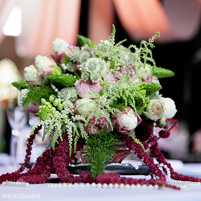 Vintage wedding bride's bouquet