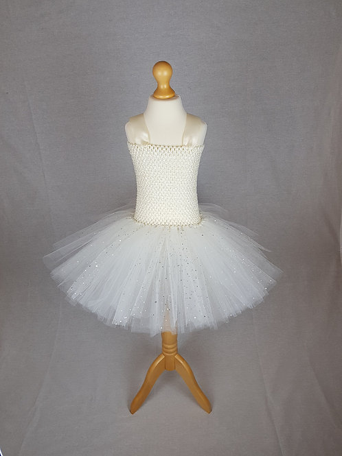 Wedding Outfit / Bridesmaid Dress