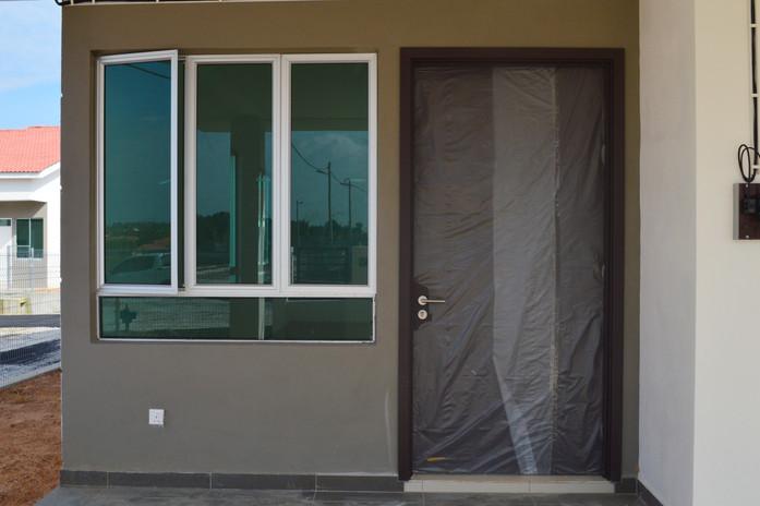 Single Main Laminated Door