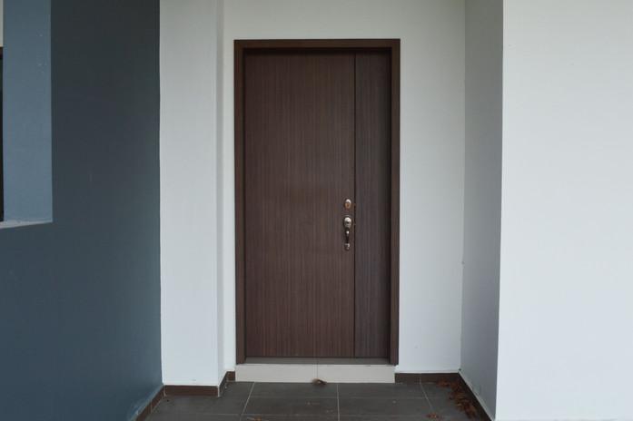 D Carlton Main Wooden Door