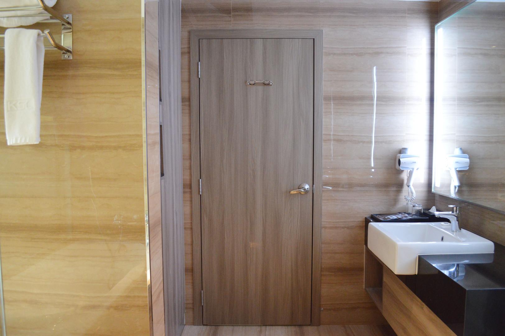 KSL Hotel Room Bathroom Wooded Door