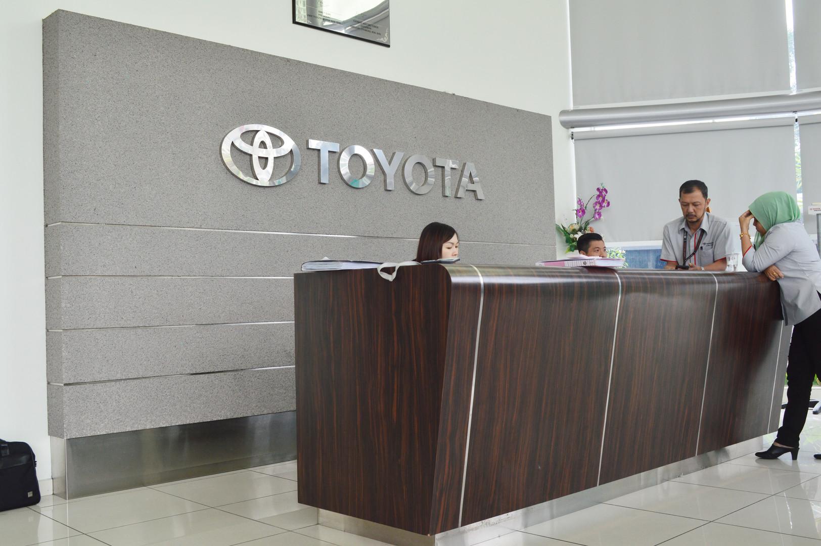 Toyota Showroom Reception Counter Design