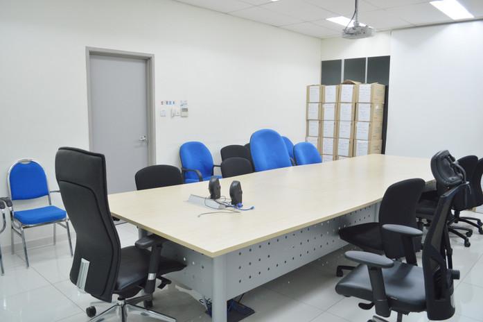 Toyota Showroom Office Meeting Room Design