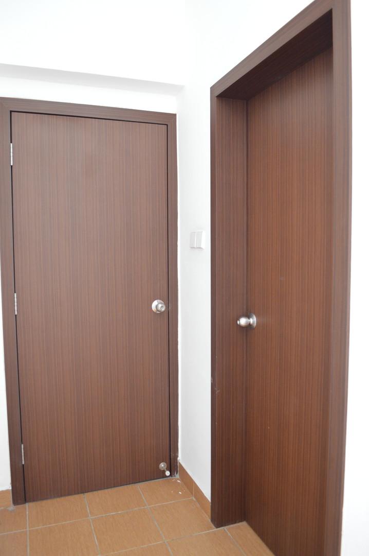 D Esplanade Residence Classic Door