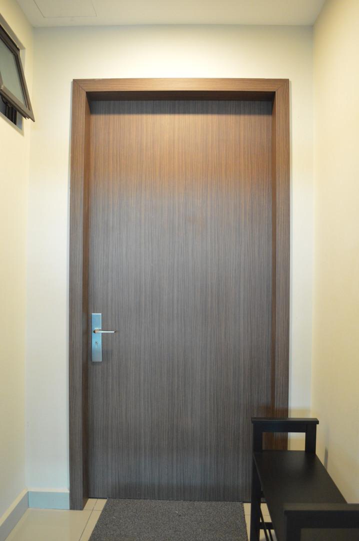 Austin18 Apartment Main Door