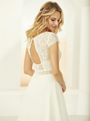 ARLETA-Bianco-Evento-bridal-dress-3.jpg