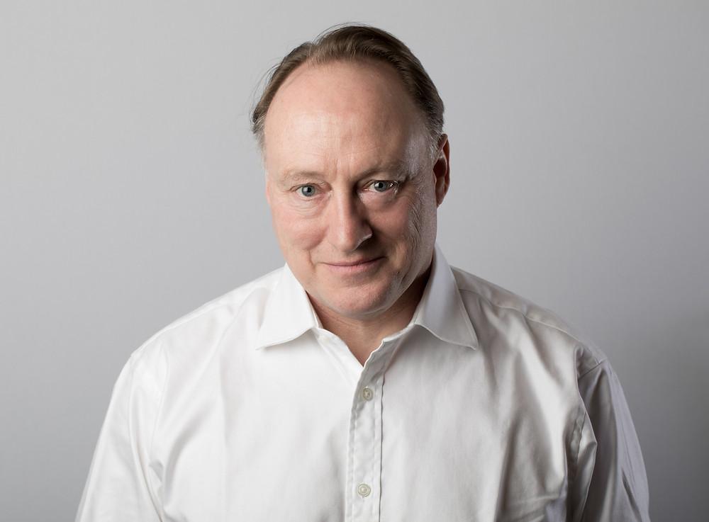 Headshot of Andrew Roberts