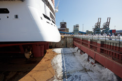 water-enters-the-dry-dock-to-float-msc-s