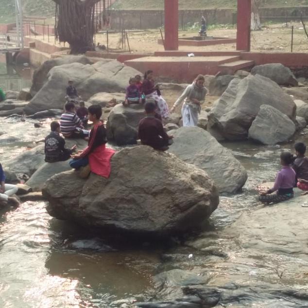 Jalam, Water