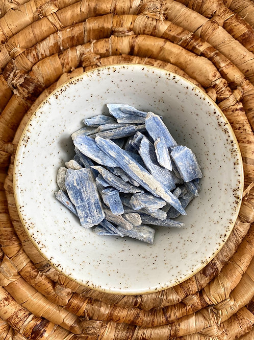 RAW KYANITE - Tranquility - Harmony - Self Expression + Alignment