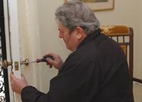 Locksmith rekey re-keying
