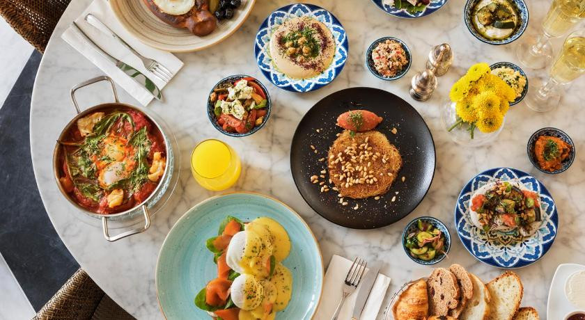 Brown Beach Hotel - Dishes