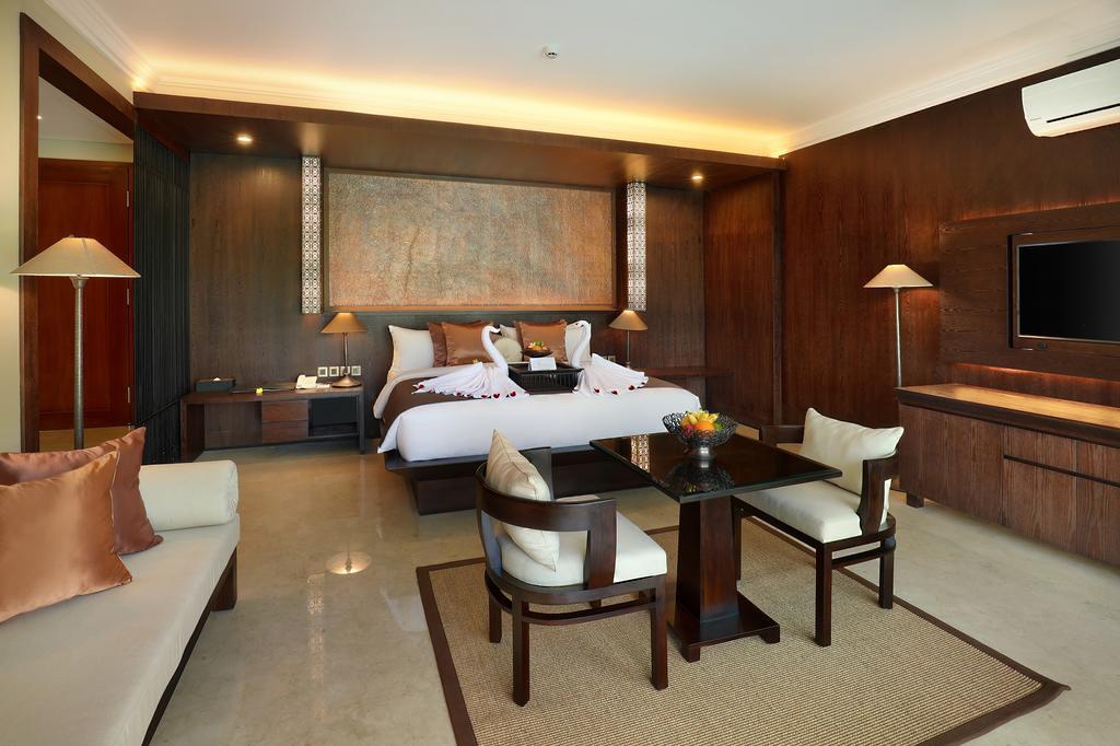 Royal Kamuela Villas & Suites - Bedroom