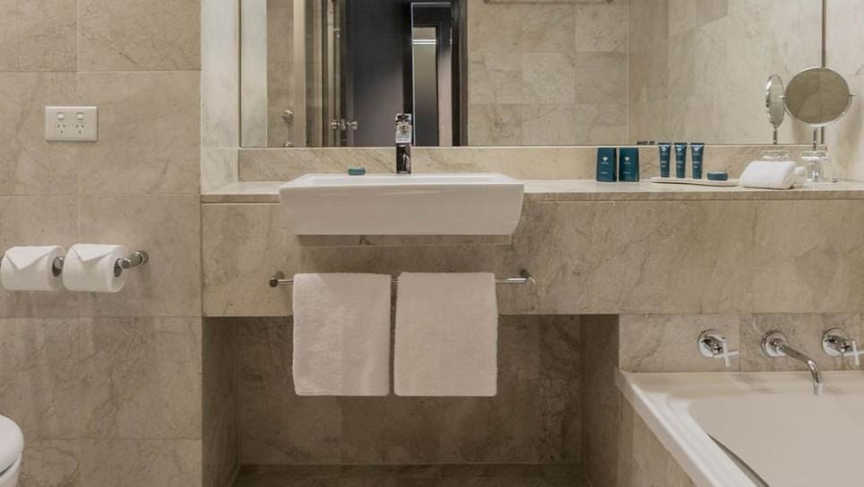 Park Royal Standard Bathroom DTC4F