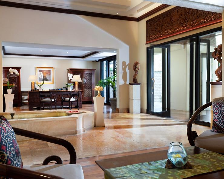 Ayodya-Palace-Private-Lobby.jpg