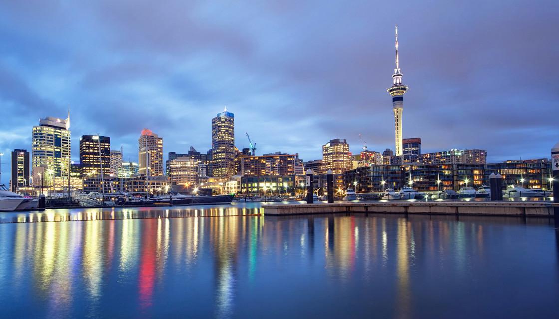 Auckland's Sky Tower DTC4F