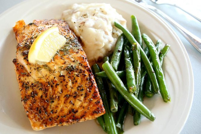 Dinner Cruise Meals