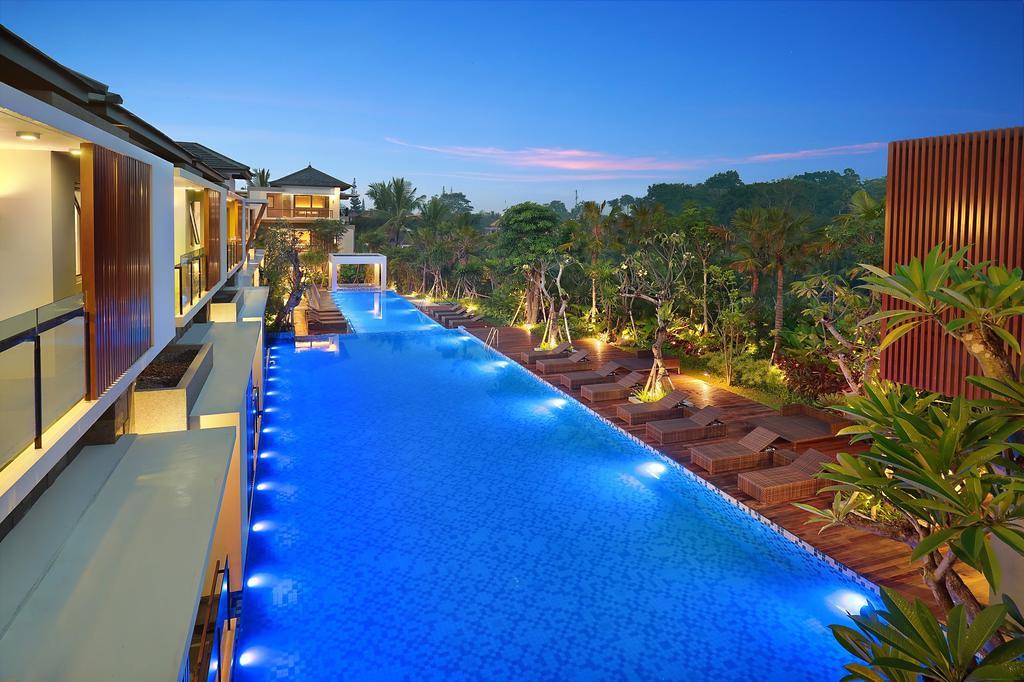 Royal Kamuela Villas & Suites