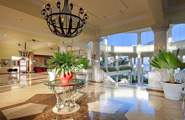 Grand Palladium Resort Lobby - DTC4F