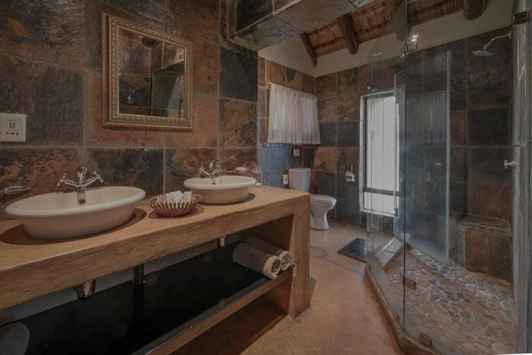 Shiduli Bathroom