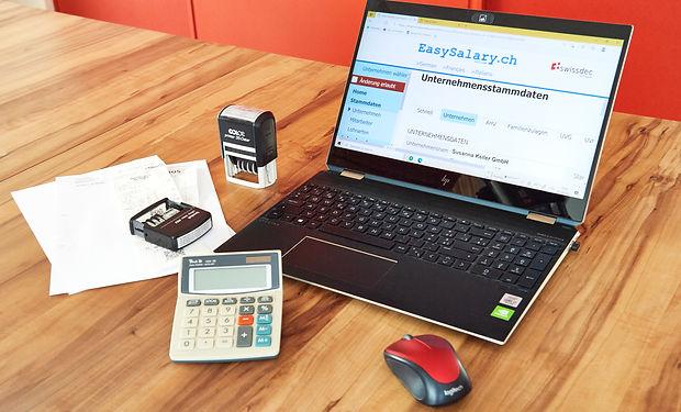 LohnbuchhaltungSusannaKellerFinance.jpg