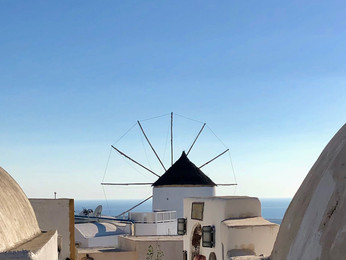 Santorini — Throngs and Thongs