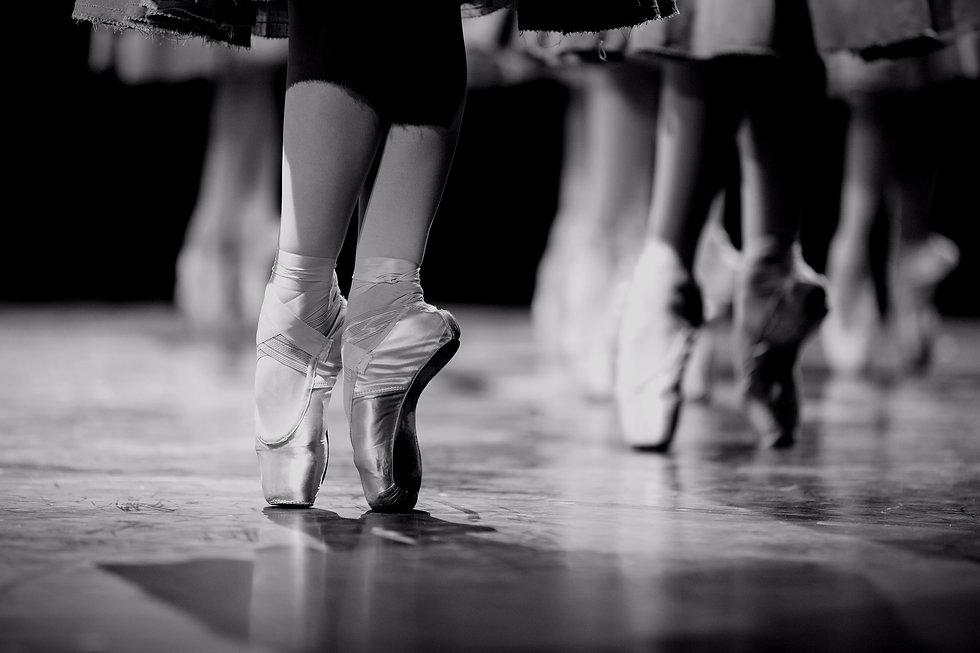 Ballet%2520Dancers_edited_edited.jpg