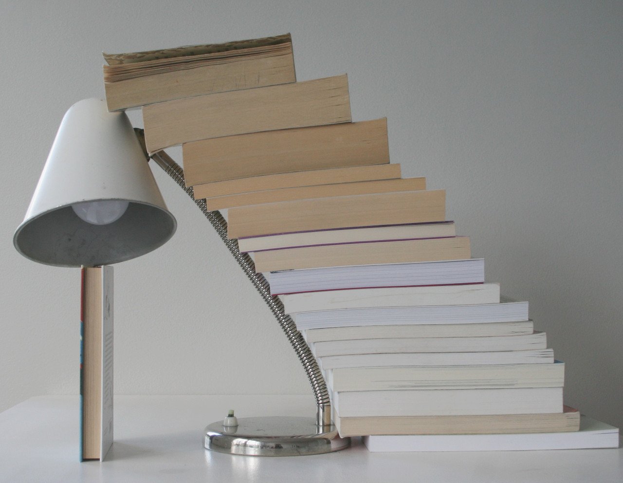 Books and lamp (2020)