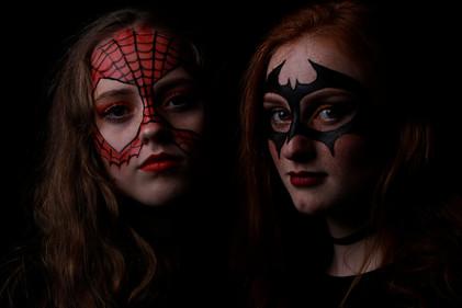 Bat Woman og Spidergirl?