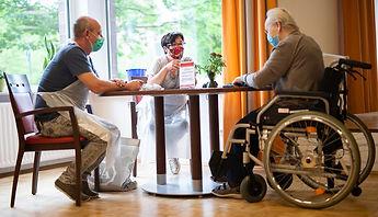 090320-nursing-home-visit-1024x588.jpg