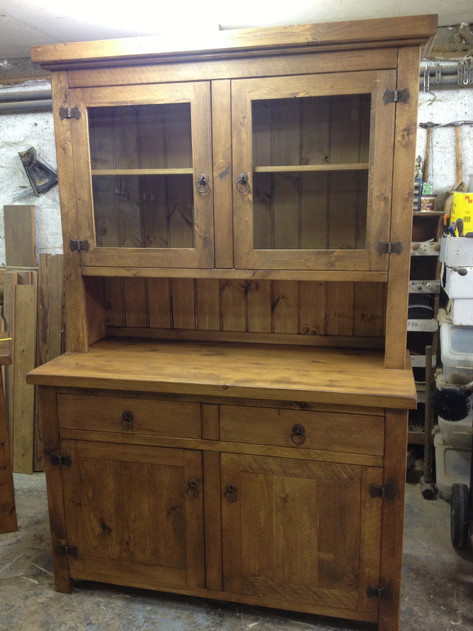 Plank Dresser 2 Drawer