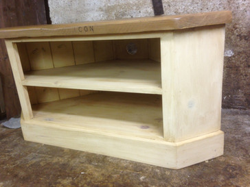 Corner TV Unit Reclaimed Top