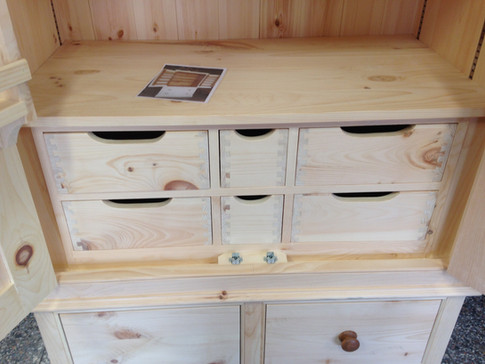 Larder with Drawers