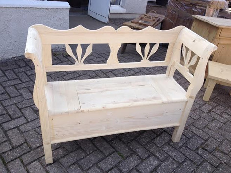 Carved Settle, Bare Wood