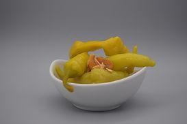 Piparras dulces en cuenco gourmet Aceitunas y encurtidos Granja Los Tubos