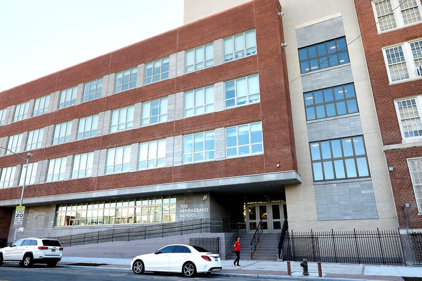 school-entrance-photo-mark-lennihan-0082