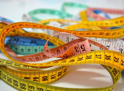 Dos libras no son un kilo. Una pulgada no son dos centímetros