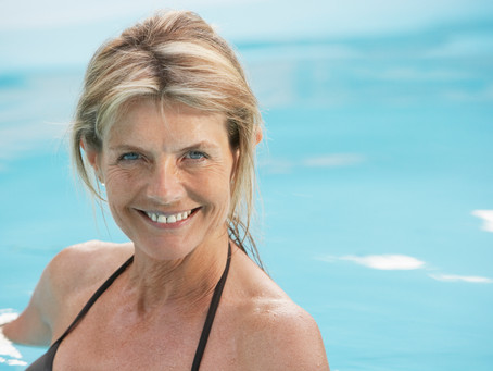 3 effective ways to cool hot flashes